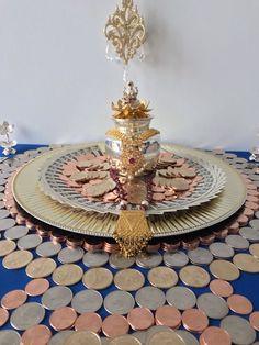On Diwali we worship goddess Laksmi with coins and jewellery Thali Decoration Ideas, Diy Diwali Decorations, Festival Decorations, Flower Decorations, Diwali Diy, Diwali Craft, Ganesh Chaturthi Decoration, Silver Pooja Items, Pooja Mandir