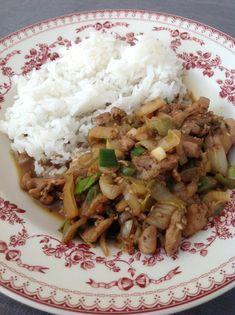 Wok de poulet au chou chinois Lunch Recipes, Cooking Recipes, Healthy Recipes, Healthy Food, Asian Recipes, Ethnic Recipes, Moussaka, Tofu, Food Inspiration
