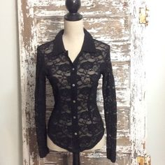 { JESSICA MAX } Lace Top Long Sleeve Fitted Style  CONDITION: Gently Used Condition Jessica Max Tops