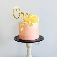 Probably the very first milestone that every family celebrates for their little angel. Buttercream Flowers, Buttercream Cake, Modern Cakes, Poke Cakes, Cake Trends, Fashion Cakes, Floral Cake, Cake Decorating, Wedding Cakes