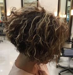 Loose Perm Short Hair, Perms For Medium Hair, Perm For Thin Hair, Loose Curl Perm, Curly Perm, Big Curly Hair, Short Thin Hair, Short Hair Cuts For Women, Curly Hair Styles