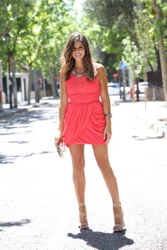 trendy_taste-look-outfit-street_style-ootd-blog-blogger-fashion_spain-moda_españa-steve_madden-sandalias_beige-nude_sandals-red_dress-vestido_rojo-vestido_boda-statement_bag-bolso_pedreria-13