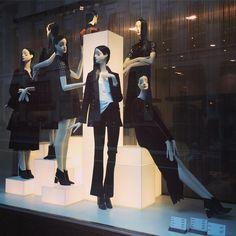 """#Zara #windowdisplay #RegentsStreet #visualmerchandising #visualdisplay"""