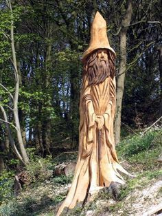 New wood carving sculpture tree stumps ideas Tree Carving, Wood Carving Art, Wood Art, Wood Carvings, Chainsaw Carvings, Chain Saw Art, Tree Faces, Tree Trunks, Diy Holz