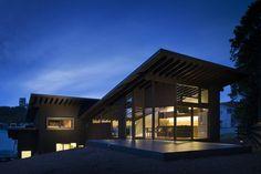Wir müssen gestehen, wir haben hier bei homify eine Schwäche für moderne japanische Architektur. Heute geht es in die Präfektur Hyōgo, wo das Architekturbüro Den Nen Architecture ein ganz besonderes Projekt für ein junges Paar umgesetzt hat.
