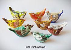 Ceramic Bird Bath, Ceramic Birds, Ceramic Pottery, Ceramic Art, Polymer Clay Ornaments, Clay Animals, Air Dry Clay, Bird Art, Bird Feathers