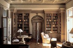 love this space for a library/ study.... door detail, ceiling detail. John Saladino, Litchfield, CT