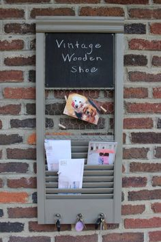 12 Ways With Which You Can Reuse Old Shutters - Top Craft Ideas - 12 Ways With Which You Can Reuse Old Shutters Best Picture For louvered shutters repurposed For Y - Small Shutters, Metal Shutters, Indoor Shutters, Vinyl Shutters, Interior Shutters, Repurposed Shutters, Bedroom Shutters, Louvered Shutters, Shutter Projects