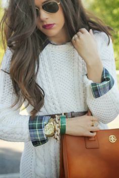Lovely look in cute white cable net sweater ... Visit the website for 5 perfect appearances with a majority of these charming white dress check http://topfashiondesigners.us/5-perfect-looks-with-white-dress/