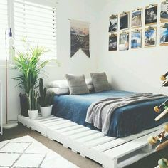 Pallet bed!! Love this <3