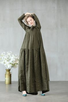 Women maxi dress 2020 maxi linen dress in sage green and white loose fitting dress - Trendy Dresses, Simple Dresses, Casual Dresses, Kaftan, Linen Dresses, Cotton Dresses, Look Fashion, Hijab Fashion, Green Dress