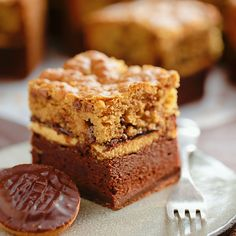 Jaffa cake brookie recipe in 2019 brownies выпечка, десерты, Tray Bake Recipes, Fun Baking Recipes, Sweet Recipes, Cake Recipes, No Bake Treats, Yummy Treats, Delicious Desserts, Yummy Food, Jaffa Cakes