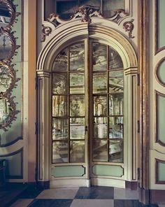 Mirror Door, Lisbon, photography by Michael Eastman
