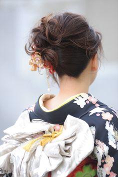 振袖のアップスタイルはバランスが命!お着物にも似合うまとめ髪で美人度アップ☆ | 武蔵小山・大岡山・尾山台の美容室・ネイルサロン Hair&Make apis 北千束、大岡山、旗の台のヘアスタイル | Rasysa(らしさ)