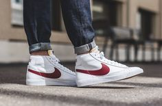 Here's an on feet look of the upcoming Nike Blazer Mid OG in the White and Red colorway. Sneaker Outfits, Nike Outfits, Converse Sneaker, Puma Sneaker, Sneakers Looks, Sneakers Mode, Best Sneakers, Nike Sneakers, Nike Blazer Outfit