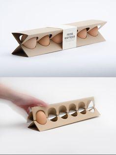 Colección de envases [Foto - Interesante forma de presentar al producto y genial doble función, aún así dudo de su capacidad de protegerlo]