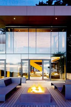 Minimal glass and steel structure on Oregon Coast: 360 House designed by Boora Architects
