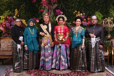 Bugis wedding at Ceria Room, Shangrila Jakarta. Baju bodo by Rama Dauhan. Decor by Airy Design - www.thebridedept.com