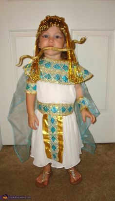 Cleopatra costume toddler diy halloween pinterest cleopatra homemade cleopatra costumei dont get the snake in her mouthlol solutioingenieria Gallery
