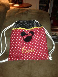 Minnie Mouse cinch sak!  Sew cute!