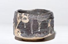 Available on Trocadero and at Momoyama-Gallery. Early Momoyama Era Grey Shino-Oribe Hanzutsu Chawan