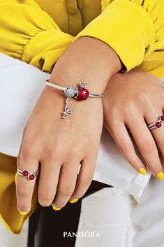 Show your love of magic and wonder with iconic new jewellery inspired by the world of Disney. A spellbinding mix of details, craftsmanship and fun come to life in sterling silver and sparkling stones.