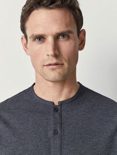 The Spring/Summer 2019 men's polo shirts collection at Massimo Dutti. Discover regular or slim fit polo shirts knitted, striped or plain. Mens Kurta Designs, Mens Polo T Shirts, Mens Tees, Rugby Outfits, Mens Shalwar Kameez, Winter 2017, Fall Winter, Kurta Style, Casual Wear For Men