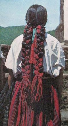 This photo of a Mixe woman's braids in Chichicastepec, Oaxaca Mexico comes from an out of print 1971 book entitled Mexican Folk Art. Mexican Hairstyles, Braided Hairstyles, Cool Hairstyles, Mexican Art, Mexican Style, Hair Dos, Your Hair, Natural Hair Styles, Long Hair Styles