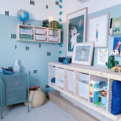 Raise your hand if this room has made you love blue!?! I know I definitely do now!!🙋🏼♀️🙋🏼♀️ ⠀⠀⠀⠀⠀⠀⠀⠀⠀ 📷 @zaq_household #Regram via @CDuFqb4FfwQ