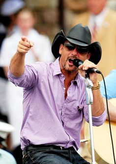 Tim McGraw Jiffy Lube Live/Bristow Va. Saturday 06.01.13 7:00pm - 11:00pm Read more: http://www.wfre.com/event_portal/view/calendar/calendar.html?type=9=2#ixzz2QqYvLo7g