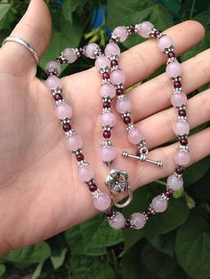 Very delicate pink pearls! Looks amazing with suites and dresses