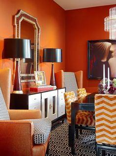 Оранжевый цвет в интерьере #гостиная #зеркало #оранжевый #орнамент Ещё фото  ...