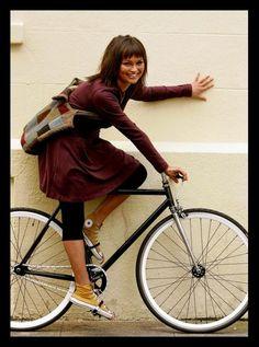 Girls On Bicycles! » Heels on Wheels