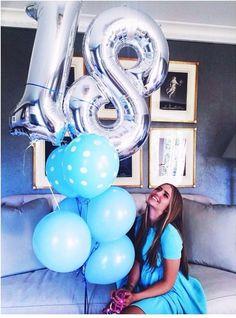 Instagram: ☾ ❀∘ Follow : @iza_cbl ❀∘ 18th Birthday Party Themes, Happy Birthday 18th, Birthday Goals, Birthday Bash, Birthday Party Decorations, Birthday Celebration, Birthday Wishes, Girl Birthday, Cute Birthday Pictures