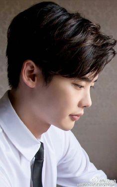 He is beautiful it fucks me up Lee Jong Suk, Jong Hyuk, Asian Actors, Korean Actors, Korean Guys, Korean Dramas, Kang Chul, Doctor Stranger, W Two Worlds