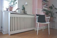 Interiør: Vi har bygget vores egen radiatorskjuler – Ditteblog Grimm, Radiators, Home Appliances, Interior, House, Inspiration, Design, Dyi, Snapchat