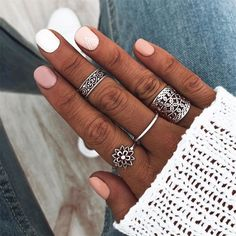 Shop & Buy 4 Pcs/set Lady Vintage Rings Heart Flower Geometric Silver Ring Set Bohemian Charm Party Jewelry Gift Accessories Online from Aalamey Cute Gel Nails, Short Gel Nails, Pretty Nails, Simple Gel Nails, Cute Simple Nails, Minimalist Nails, Nailed It, Dipped Nails, Best Acrylic Nails