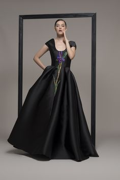 Wedding dress shop in Dubai & Lebanon for bridal gowns & evening dresses. Collections from the top wedding dress designers & bridal couture. Luxury Wedding Dress, Luxury Dress, Elegant Wedding Dress, Designer Wedding Dresses, Pretty Outfits, Pretty Dresses, Dress Body Type, Wedding Dress Boutiques, Haute Couture Dresses