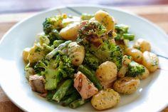 Gnocchi mit Lachs und Brokkoli und Bohnen