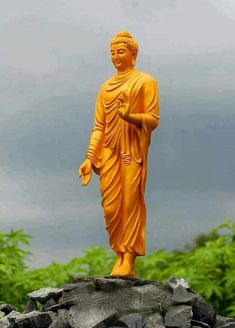 A serene statue of walking Buddha Shakyamuni Amitabha Buddha, Gautama Buddha, Buddha Buddhism, Tibetan Buddhism, Tibetan Mandala, Buddha Idol, Buddha Art, Buddha Statues, Lord Buddha Wallpapers