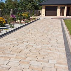 Promenada® Box | Bruk-Bet Outside Flooring, Patio Flooring, Diy Driveway, Driveway Landscaping, Outdoor Tiles, Outdoor Decor, Pavement Design, Natural Playground, Entrance Decor