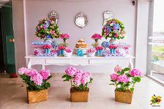 Candy bar de bautizo con flores10