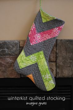 sew: quilted patchwork stocking || imagine gnats