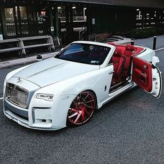 Rolls Royce Wraith, Rolls Royce Phantom, Rolls Royce Blanco, White Rolls Royce, Rolls Royce Dawn, Luxury Sports Cars, Best Luxury Cars, Bugatti, Maserati