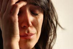 """Há alguns dias, uma mulher de mochila nas costas, estava percorrendo os corredores do órgão, onde trabalho. (Os nomes são fictícios para não expor as pessoas). Marcela oferecia os serviços de uma A… No blog:""""Mãe anjo de resgate""""😢💻😇💙 Uma história emocionante! daniellychavesblog.wordpress.com #blog #mãe #filho"""