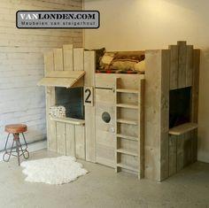 Winkel stapelbed van steigerhout ... www.vanlonden.com Loft Bed Plans, Kid Beds, Furniture, Home Decor, Kids, Kids Mid Sleeper, Woodworking, Blue Prints, Child Room