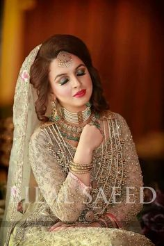 Best ways to style or drape Dupatta with different hairstyles for Walima ceremony Hairstyle : Best ways to style or drape Dupatta with different hairstyles for Walima ceremony easyhairstyle hairstyle hairstylecorto hairstyleforroundface hairstyleforshort Pakistani Bridal Couture, Pakistani Wedding Dresses, Bridal Dresses, Desi Wedding, Wedding Bride, Bridal Looks, Bridal Style, Robe Anarkali, Walima Dress