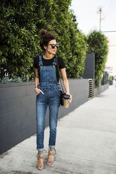 38 Trendy Overalls Outfits Ideas for Summer - Bellestilo Denim Overalls Outfit, Overalls Women, Outfits With Overalls, Simple Outfits, Stylish Outfits, Cool Outfits, Modest Outfits, Skirt Outfits, Dresses Elegant