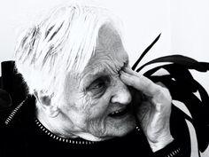 """""""Mama mea sufera de maladia Alzheimer, sunt disperata"""""""