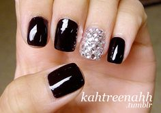 Black nails but bling out the ring finger only. so cute!